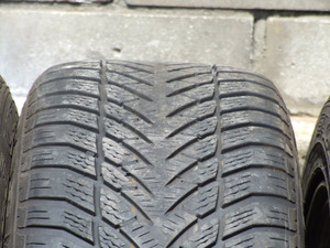 Goodyear Eagle UltraGrip 205/55/16 - 'ёлочка'