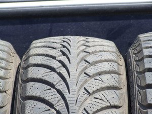 Goodyear UltraGrip 175/65/14 протектор 9 м