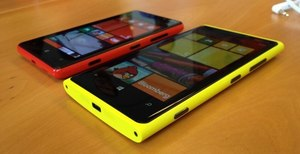 Nokia N920 java black white yellow