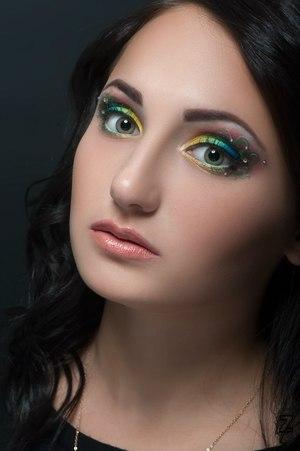 Бесплатный макияж днепропетровск работа в красноярске девушке без опыта